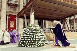 Juan Pablo II - Idolatría